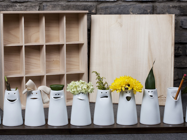 Spin Ceramics on Zola Wedding Registry