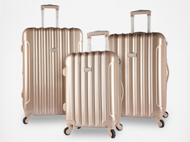Traveler's Club on Zola Wedding Registry