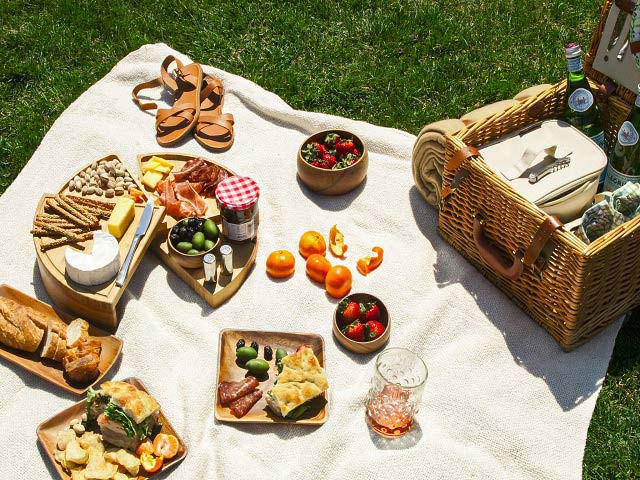 Picnic at Ascot on Zola Wedding Registry