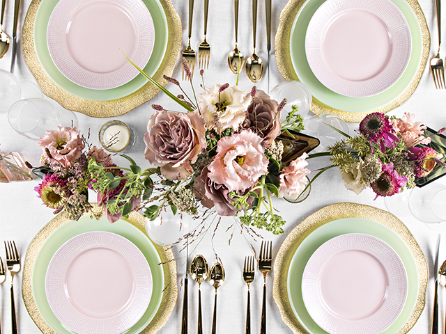 Set the Table on Zola Wedding Registry